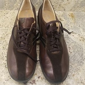 NWOT DUREA SUEDE LEATHER Oxford SHOE Wom